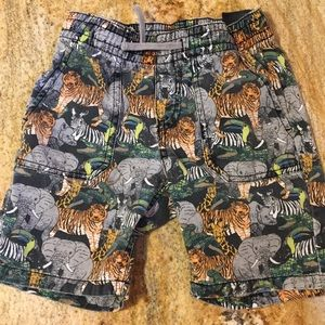 🐘Jungle print dual front pockets shorts size 5-6Y